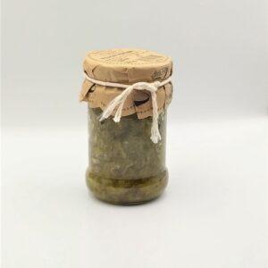 Przecier z ogórków kiszonych w szklanym słoiku